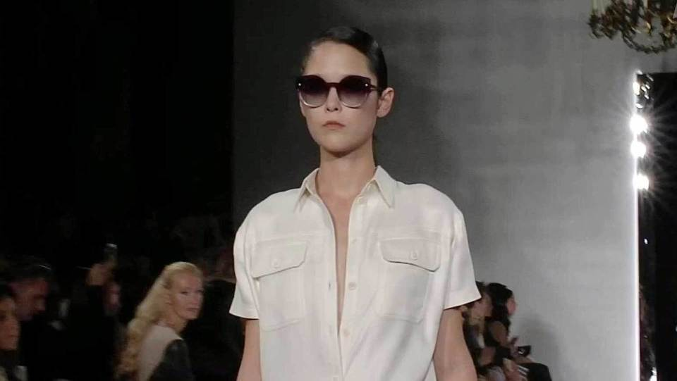 Новая коллекция Валентина Юдашкина на Парижской неделе моды. Новости.  Первый канал 4a66411df3f