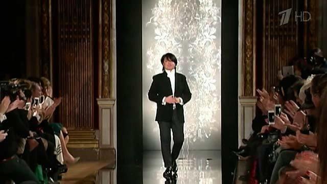 Валентин Юдашкин представил свою новую коллекцию на неделе моды в Париже.  Новости. Первый канал 811658be2f3