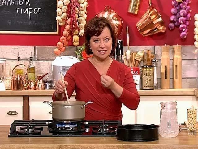 Девушки, подскажите что это за салат такой у нее из крабов, авокадо, лука и красной икры?