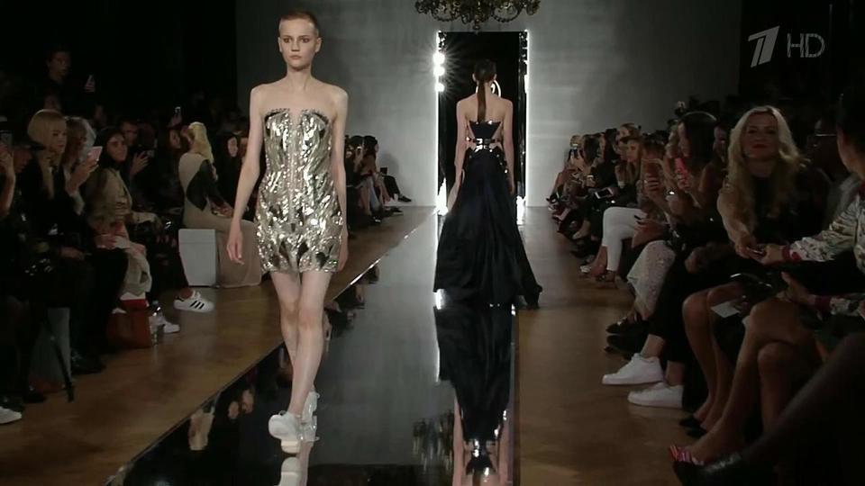 Фурор в Париже на неделе Высокой моды произвел показ Валентина Юдашкина.  Новости. Первый канал f19ae3a6fe3