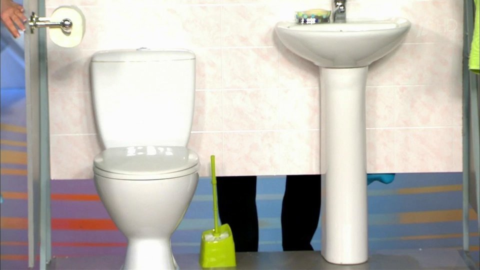 Используют баб вместо туалета