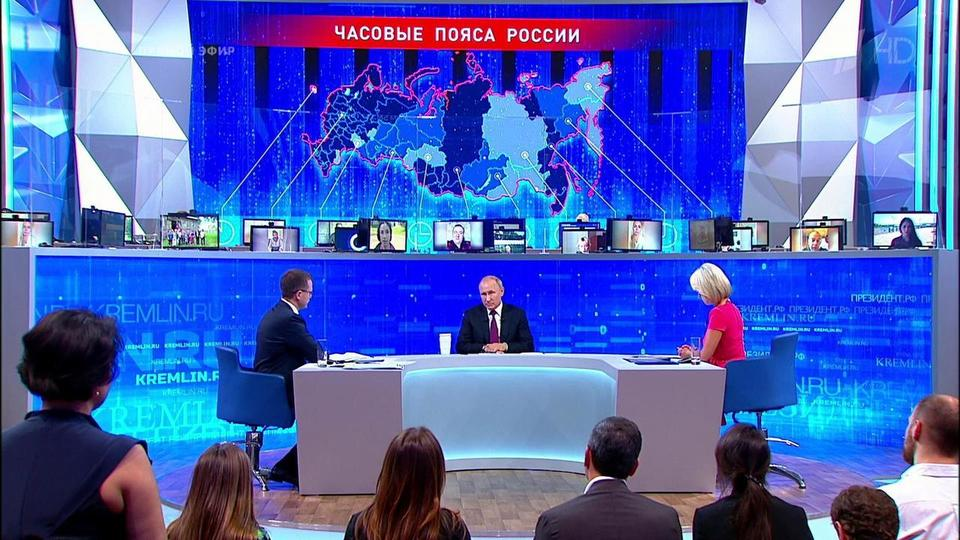 Tổng thống Nga Vladimir Putin giao lưu trực tuyến với người dân