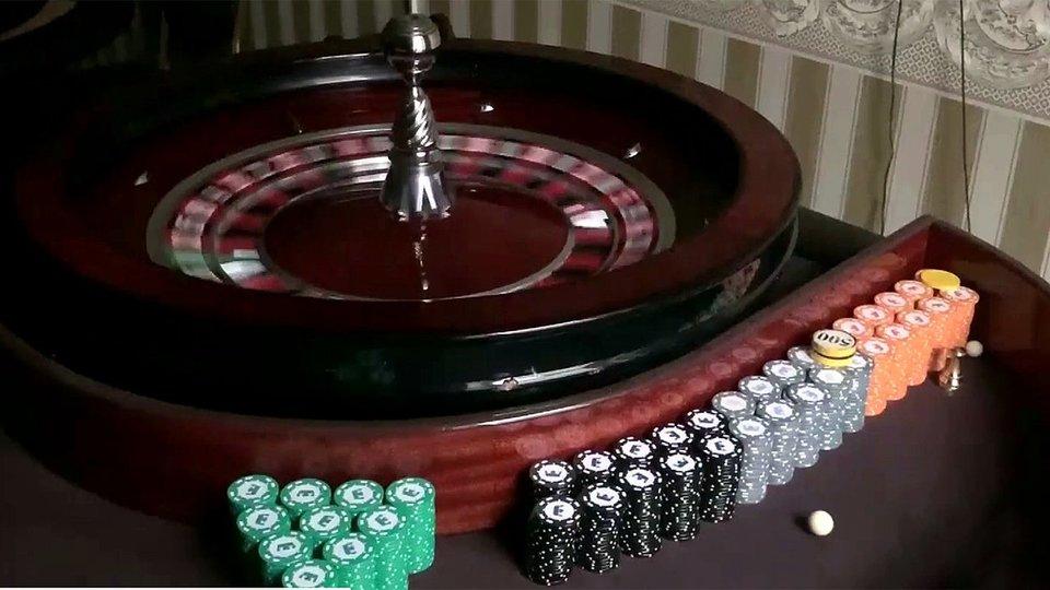 Казино в спб 2020 чем крутят рулетку казино