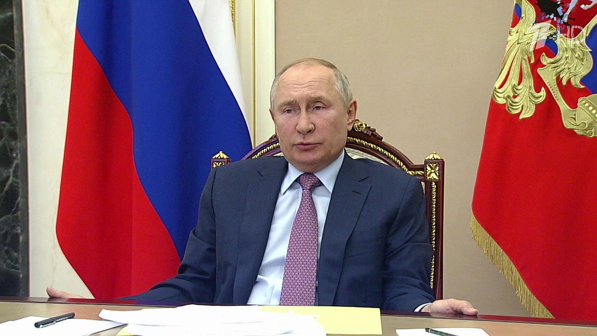 Борьба скоронавирусом стала одной изглавных темой совещания Владимира Путина справительством