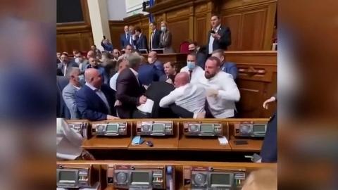 Депутатов Верховной рады могут обязать проходить медицинский осмотр перед началом сессий