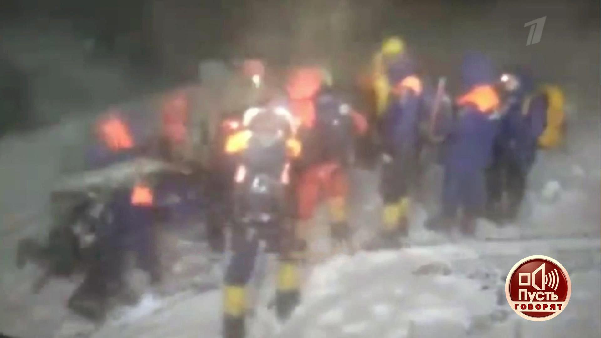 «Пусть говорят». Выжившие: очевидцы трагедии наЭльбрусе