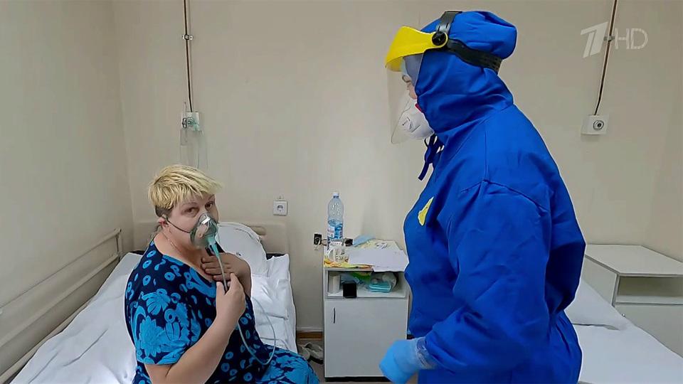 Чтобы сдержать распространение коронавируса, вроссийских регионах вводят новые ограничительные меры