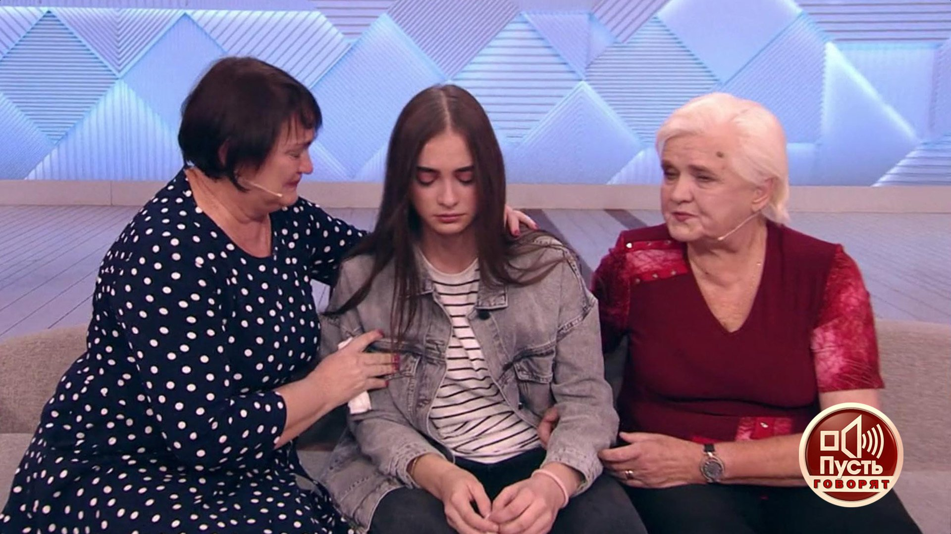 «Пусть говорят». Приемная мама нашла любимой дочери кровную семью?
