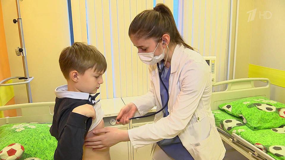 Все больше малышей поступают вбольницы стяжелыми осложнениями после COVID-19
